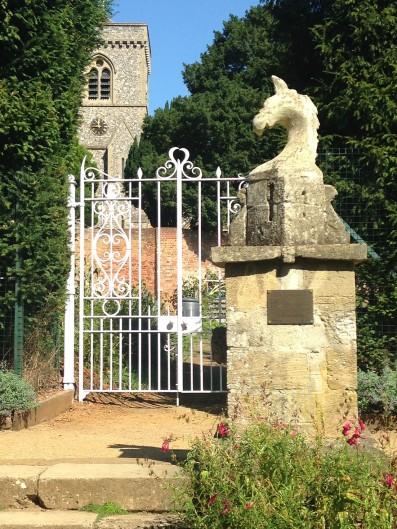 Griffin an gate